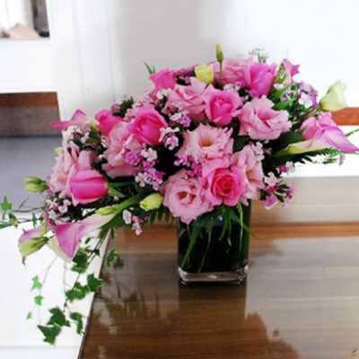 lilies and roses flower arrangements
