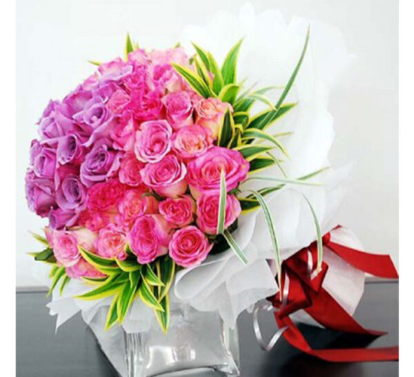 hand-bouquet-wow-love-is-in-the-air-new,fun and vivacious