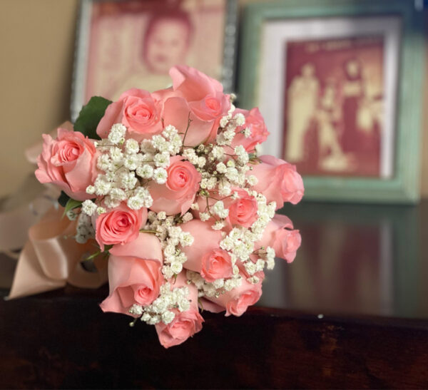 gorgeous arrangement of pink roses