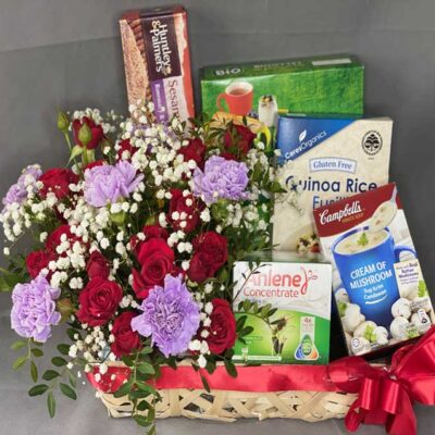 Hamper Purple Carnations & Red Roses