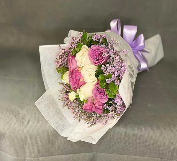 yam and white roses with sprayed caspie